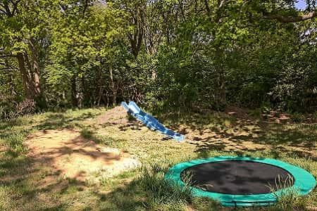 Familiehuis huren met glijbaan en trampoline